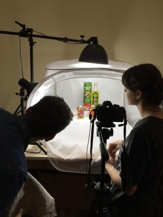 V Herbatica sa maká neustále na nových veciach. Naše vlastné produktové fotky sú pre nás dôležité. Má ich na starosti Zuzka. Dnes ich už stihli prebrať takmer všetci naši konkurenti na trhu, ale nám to nevadí. Zdieľanie vedomostí patrí k našej firemnej kultúre.