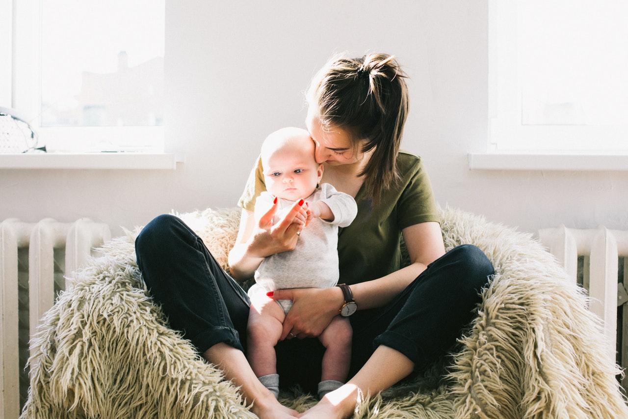 Lze podnikat jako OSVČ na mateřské a rodičovské dovolené?